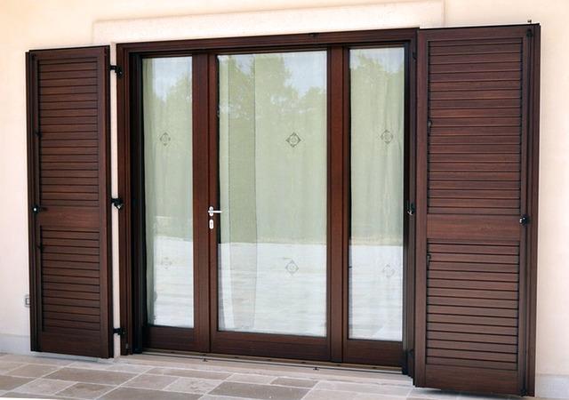 moderní prosklené dveře