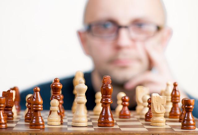 přemýšlení u šachů