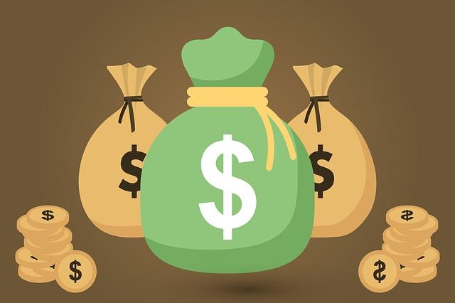 pytle s penězi a mince.jpg
