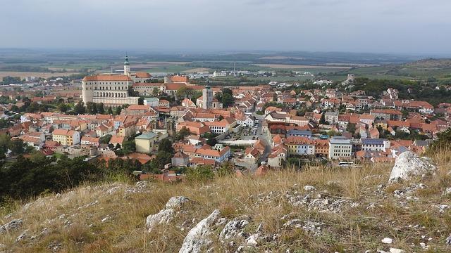 pohled z kopce na Mikulov