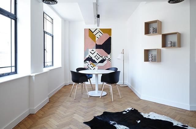 podlaha v podobě parket v obývacím pokoji